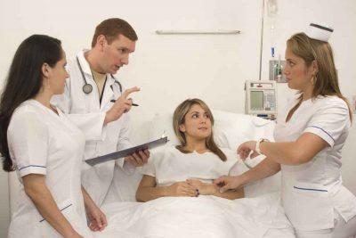Materac rehabilitacyjny na oddziale szpitalnym